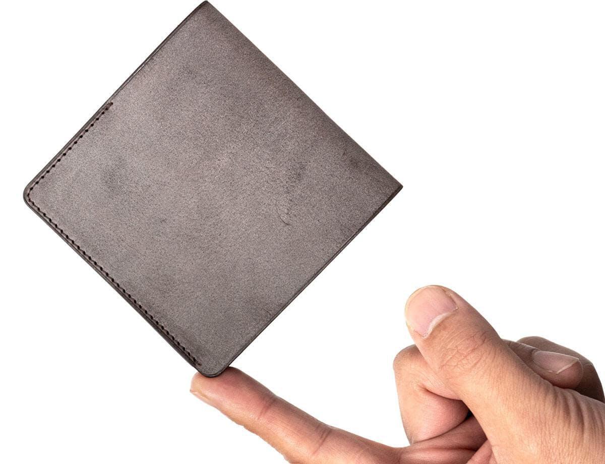HITOE Foldと手の大きさの比較