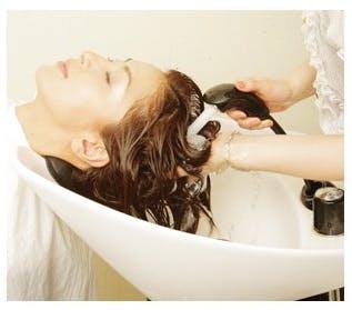 髪や肌の汚れやダメージの原因となる老廃物を除去