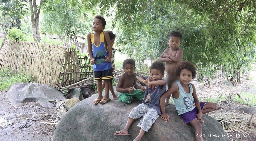 アエタ族の子供たちの写真