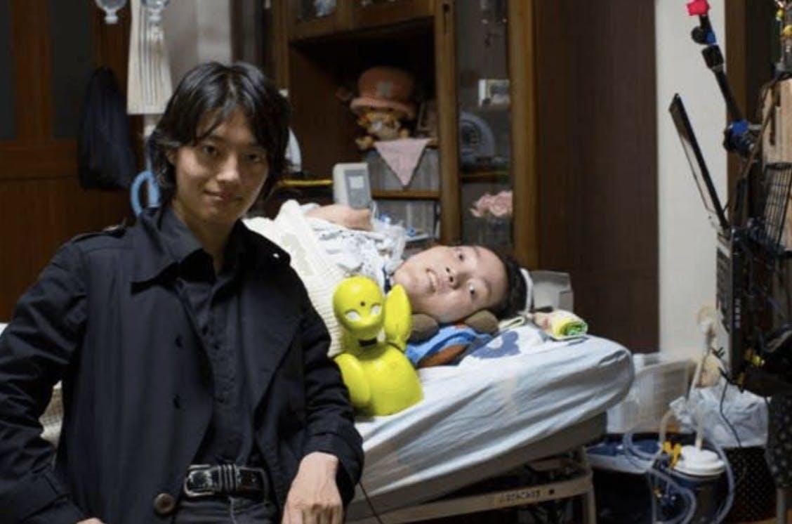 吉藤オリィと秘書であり親友の番田雄太