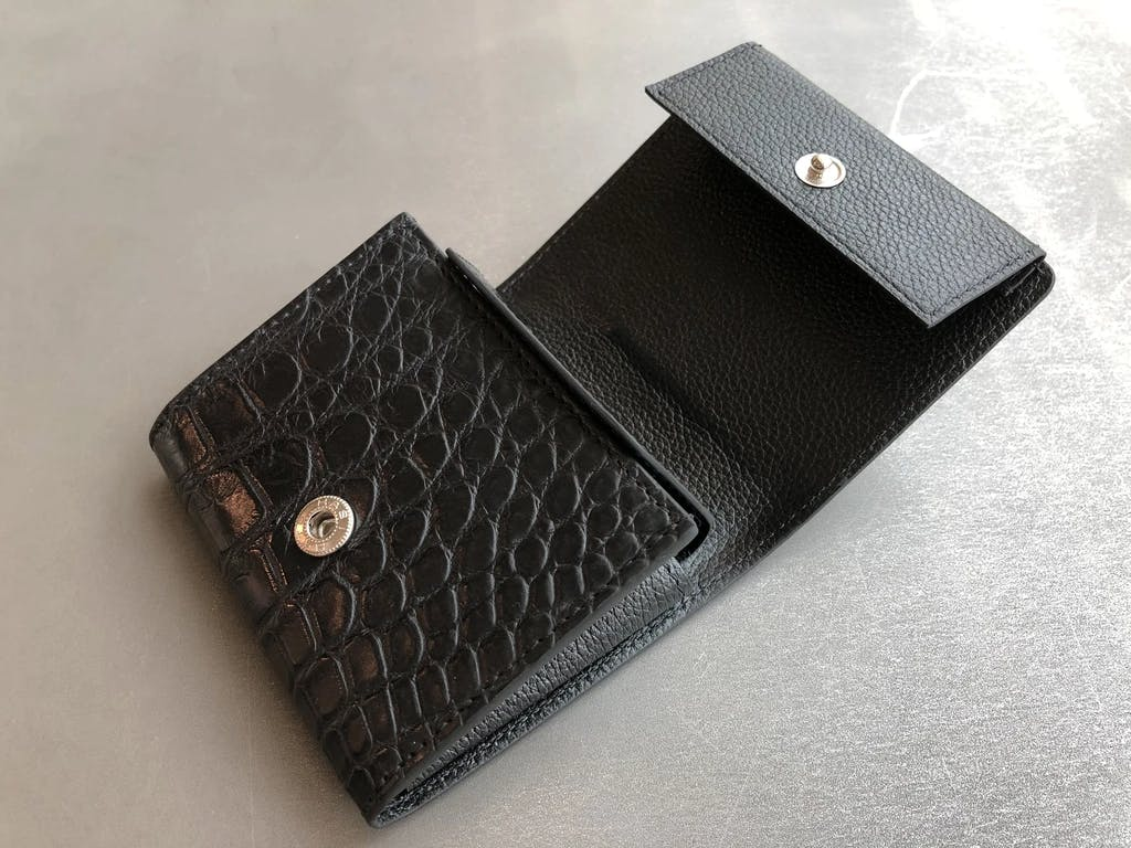 クロコダイル マットクロコ 二つ折り 財布 ウォレット ミニ財布 ミニマル財布 ブラック ヒマラヤ 二つ折り 折財布