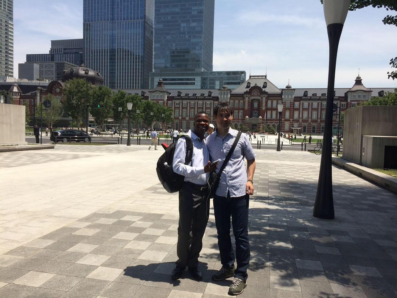 2018年5月 Pierreさんと東京駅前で