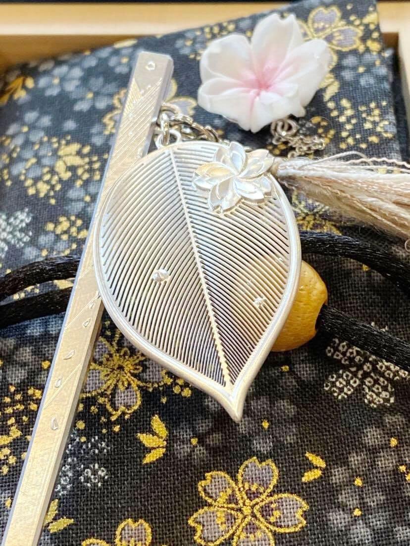 [cocur] SAKURAかんざしと黒地に金糸の桜のかんざし袋