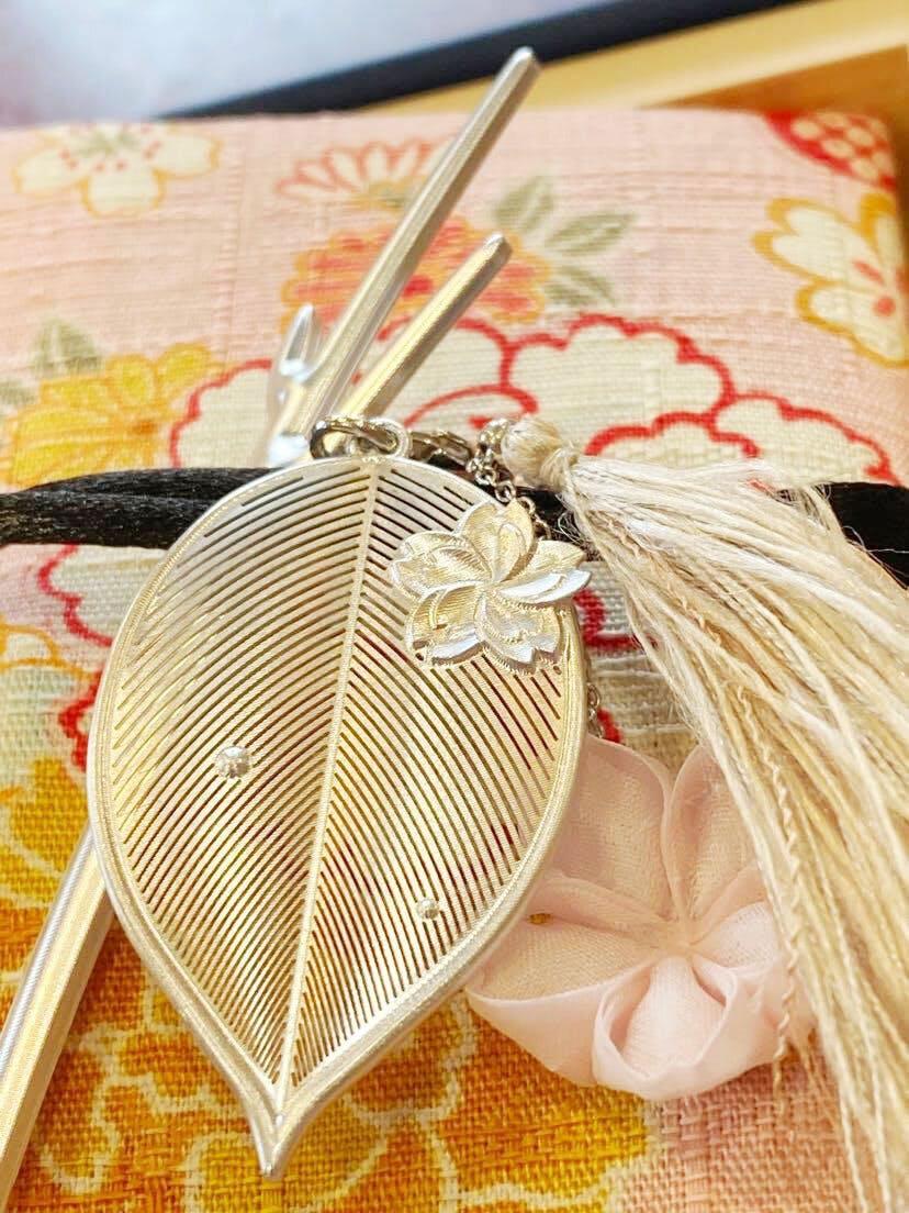 [cocur] SAKURAかんざしと桜色の生地に桜や花々が咲くかんざし袋