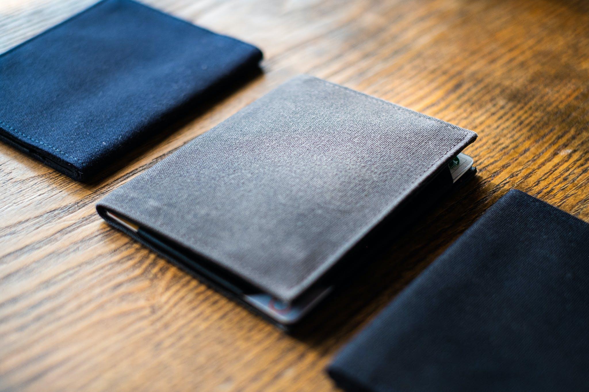 check out 901a3 e1529 薄さ6mm!カード・硬貨を入れてもかさばらない革新的な財布「Tenuis3」