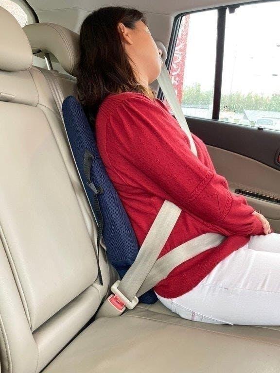 160センチ 女性 後部座席