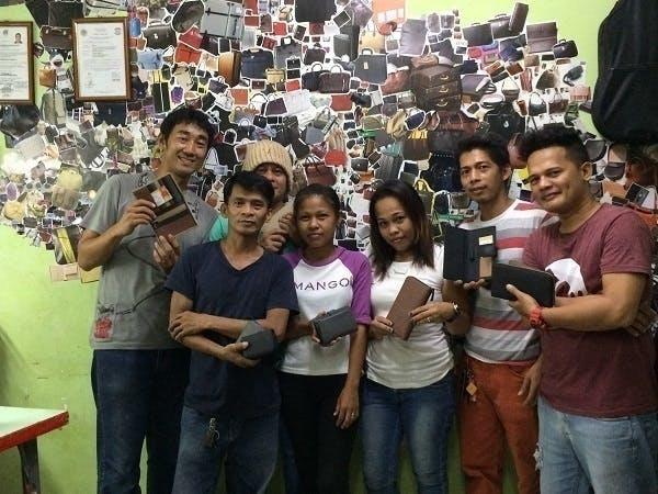 フィリピンの鞄・財布工場