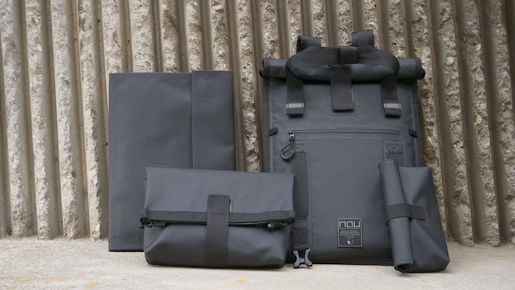 ビジネスからアクティブシーンまで!4wayユースの完全防水バッグ!【Unico】