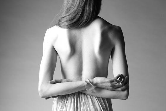 プロの女性写真家が'究極の美'をテーマに世界へ進出したい
